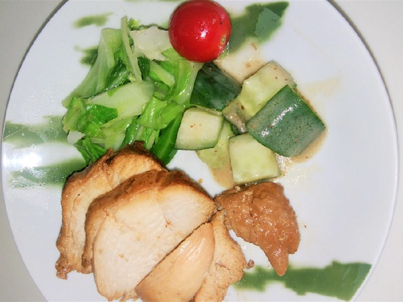 煮汁再利用の煮込み鶏むね肉のチャーシュー