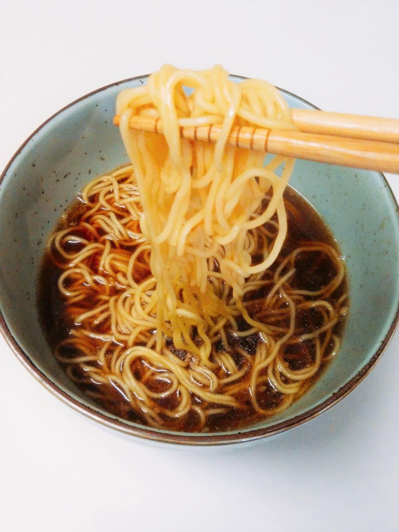 背脂醤油麺アップ