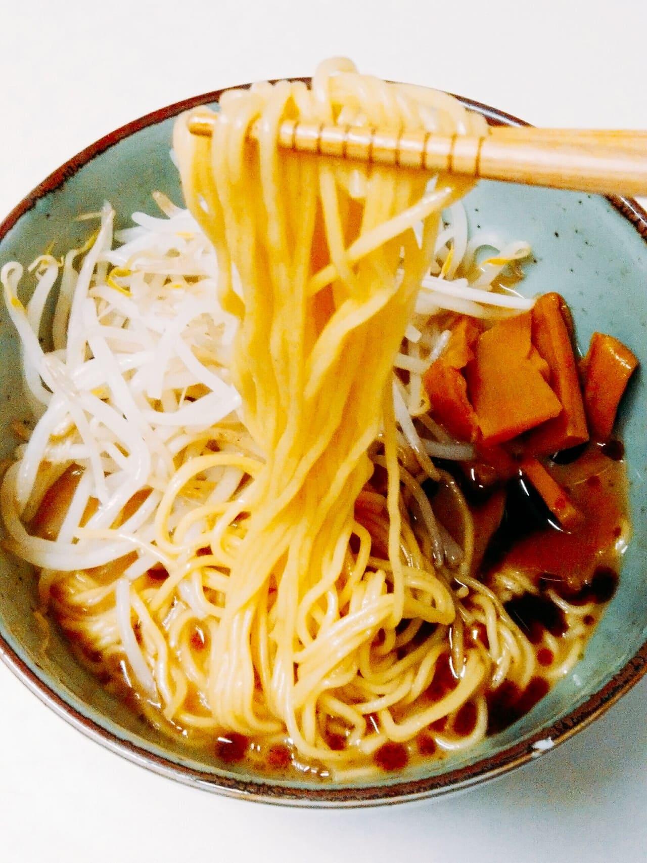 豚骨醤油麺アップ